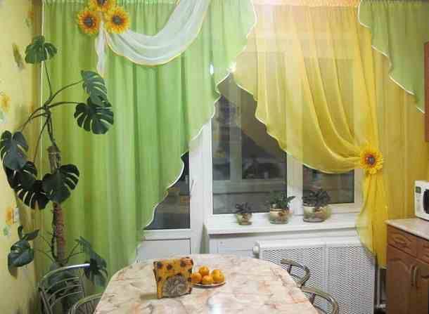 Дизайн штор для фото кухни с балконом