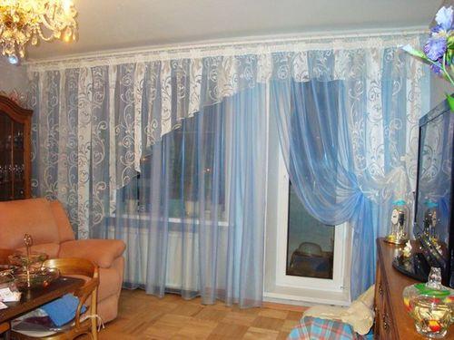 Ламбрекен на окно с балконной дверью
