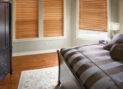 деревянные жалюзи в спальню